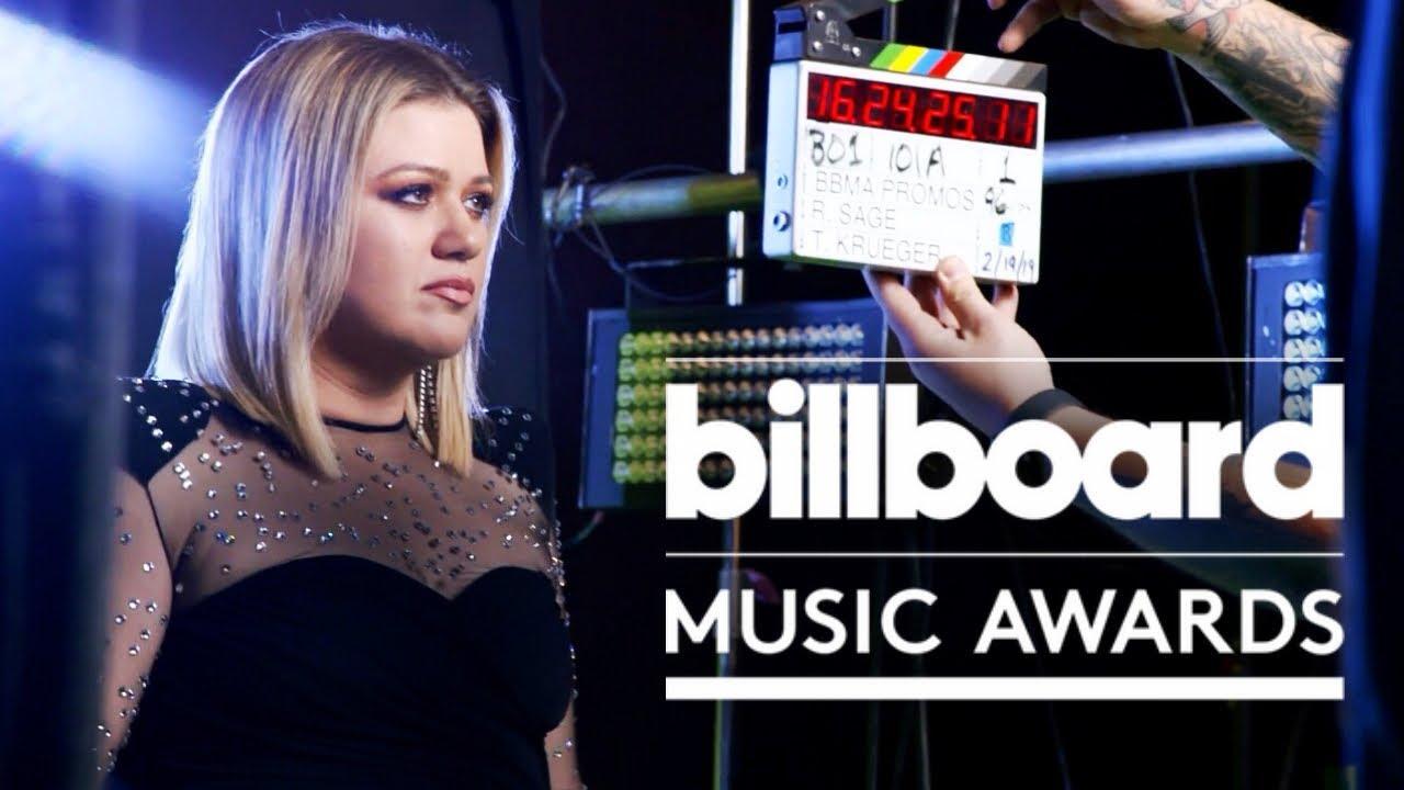 Kelly Clarkson Talks 2019 Billboard Music Awards, Shawn Mendes, Cardi B &  More | INTERVIEW