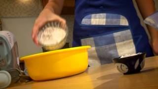 Черничный пирог на День рождения (программа Готовим детям)