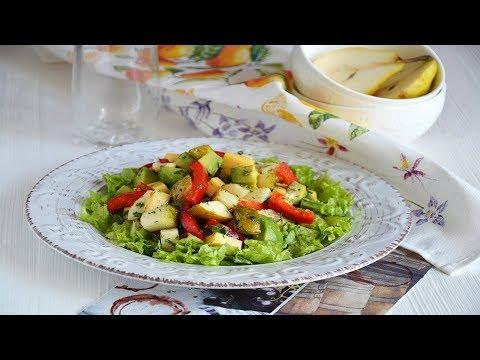 Салат с авокадо, грушей и сыром