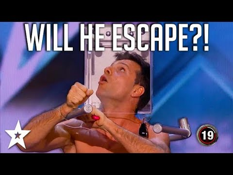 Will Escape Artist Escape SCORPIONS? | America's Got Talent | Got Talent Global