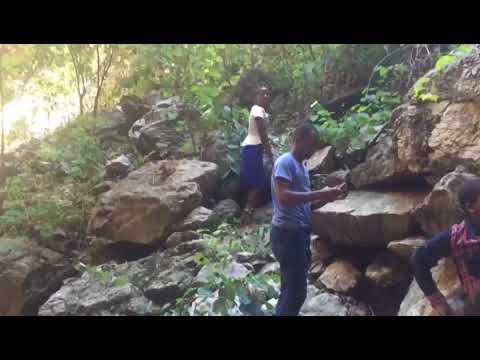 Visiting Chinhoyi Caves ...