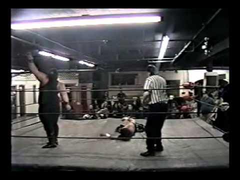 UCW 1998 Barton Street Chief Dave Foxx vs. Gino Martino