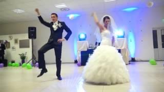 Пеорвый  танец на свдьбе. как первая  ночь после свадьбы- улКак прекрапсенет!