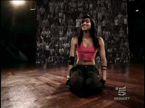 Sofia Boutella - Nike 2006 HD - YouTube