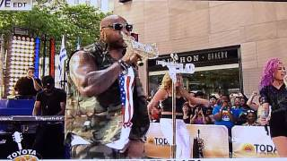 FLO RIDA - GOOD FEELING   (Live on TODAY NBC)    July 6th 2012
