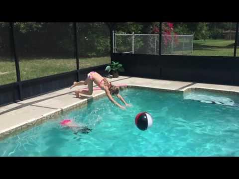 Elle pool time