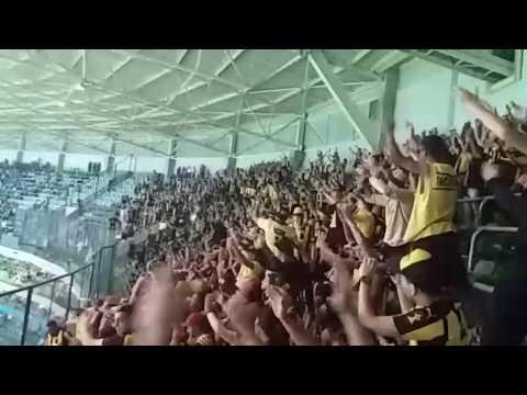 Hinchada de Peñarol en el Allianz Parque (San Pablo)