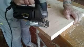 Работа электролобзиком. Пиление электролобзиком(Работа электролобзиком по дереву., 2016-09-04T19:56:33.000Z)