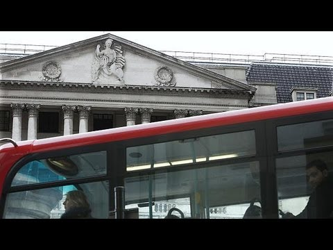 Britain avoids recession - economy