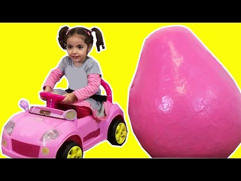 GIANT PINK SURPRISE EGGS Electric Ride On Car Theme Park Muddy Puddle Super Kinder Egg Unboxing