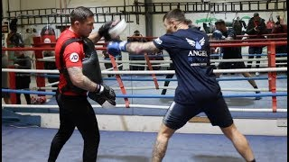 BRING ON SAUNDERS! - MARTIN MURRAY BANGING THE PADS & BODY-BELT WITH JAMIE MOORE / SAUNDERS v MURRAY