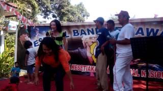 Panjat Pinang Season II Agustusan di Dermo Bangil - Bojoku Nakal Rek...