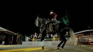 Смотреть клип Banda Carnaval - El Pistolero