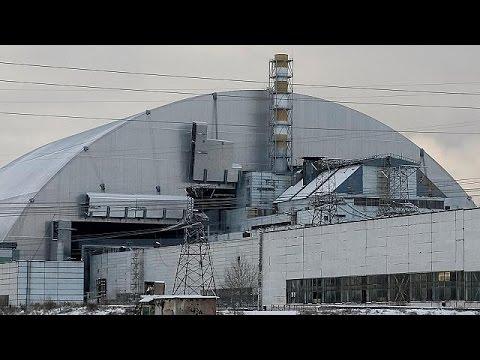 """""""Çernobil'de kanayan nükleer yarayı dev çelik kemerle kapattık"""""""
