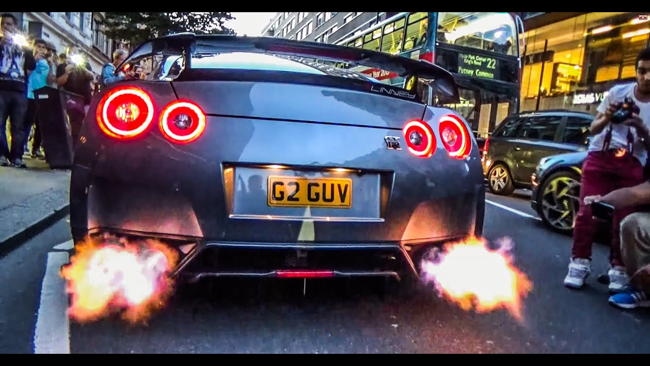 Car Spitting Flames Wallpaper Nissan Gtr Flaming In Central London Youtube