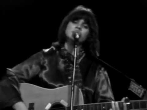 Linda Ronstadt - I Can' Help It (If I'm Still In Love With You) - 12/6/1975 (Official)