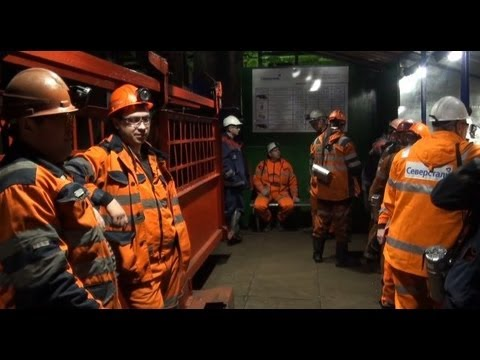Mining Coal From the Deepest Arctic Pit