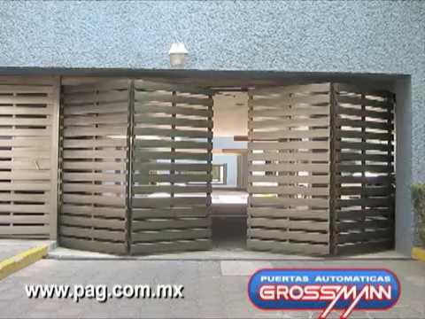 Puerta plegadiza hacia afuera 4 m dulos youtube for Casas con puertas de madera