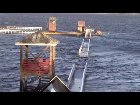 Stormen URD, tog badebroen til Holbæk søbad.