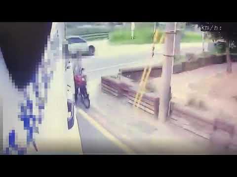 蘆竹死亡車禍 腳踏車騎士緊貼大貨車不慎遭後輪輾斃