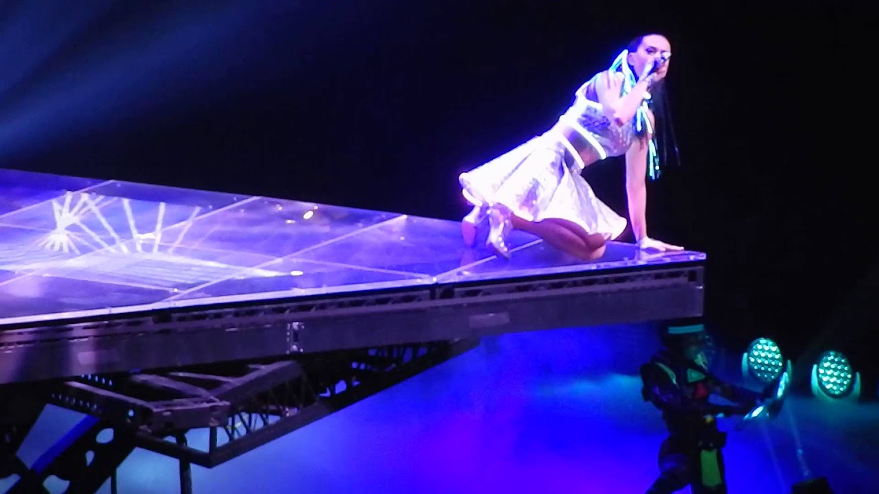 Katy perry prismatic world tour 270514 ass - 1 part 6