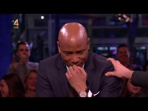 Humberto Tan kondigt hevig geëmotioneerd afscheid van RTL Late Night aan live op RTL4