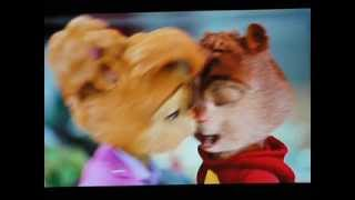 Britanny and Alvin kiss!!!
