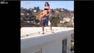 Playboy Dan Bilzerian Tira a Estrella porno del techo de su Mansion y Le rompe una pierna