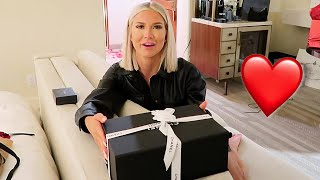 SURPRISING MY GIRLFRIEND FOR OUR Anniversary!!! (she was shocked)