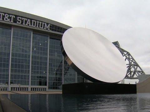 Dallas Cowboys stadium features museum-quality artwork