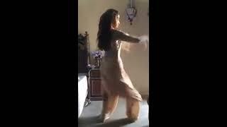 Manhil Khan dance