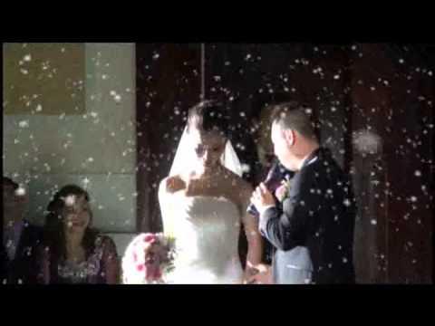 VÌ CHÍNH EM THÔI  : chú rể hát tặng cô dâu quá lãng mạn và xúc động