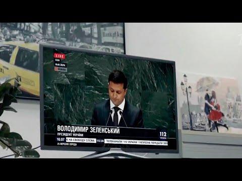 На Украине разгорается скандал вокруг трех оппозиционных телеканалов.