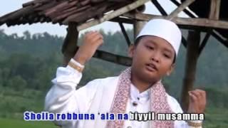 Rofi  Sholla Robbuna Official Music Video