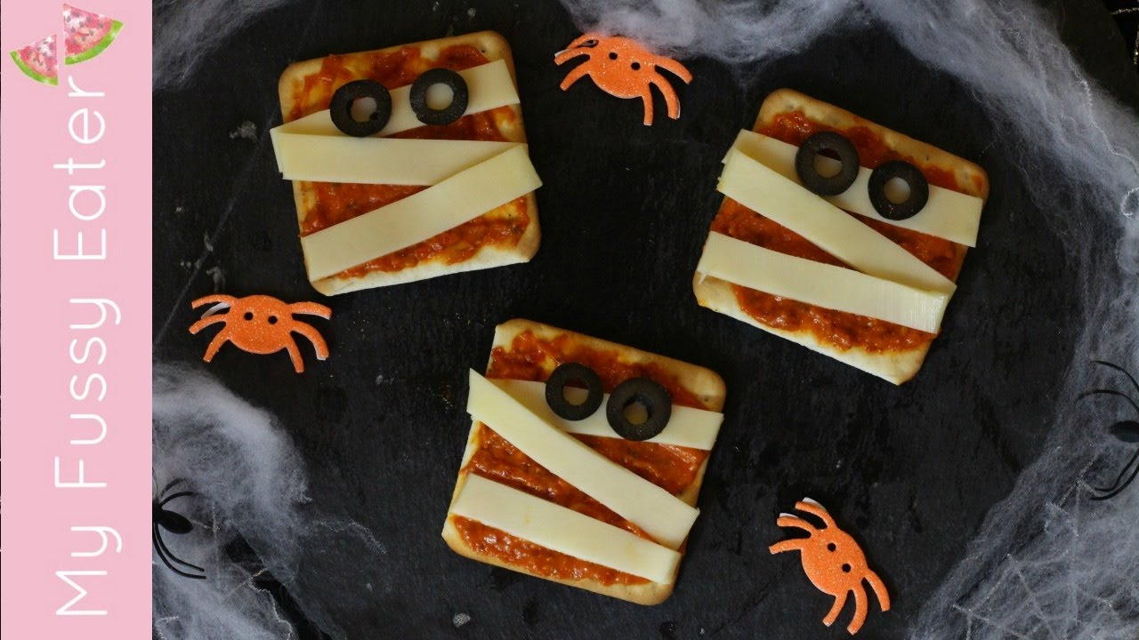 mummy pizza crackers | fun halloween food for kids - youtube