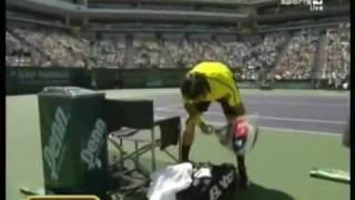 Fernando Gonzalez gets angry against Roger Federer