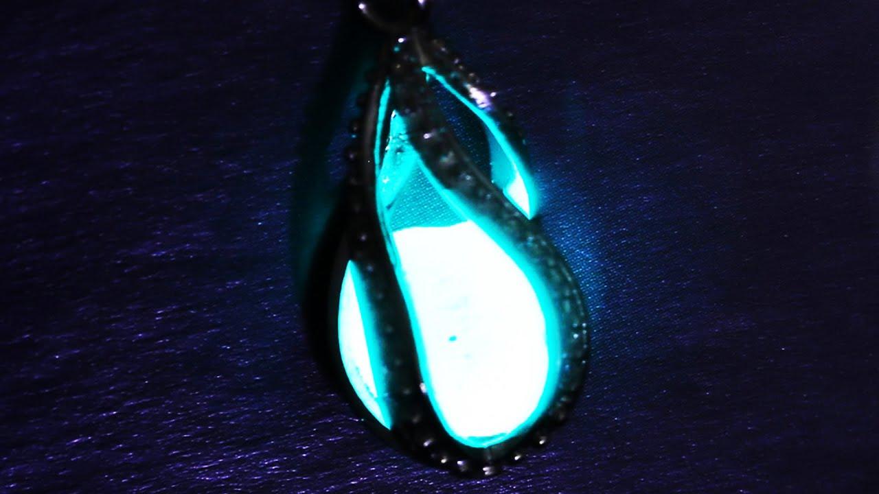 Как сделать с светящимися в темноте браслетами