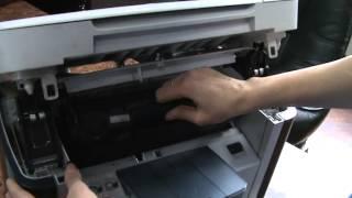 Как достать картридж из принтера НР1120. Компания ПринтМастер.(Привет. Вы на канале ПринтМастер. В этом видеообзоре я расскажу вам как достать картридж из принтера НР1120...., 2015-02-13T10:03:22.000Z)