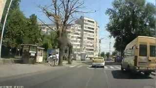 Через город Яссы. Румыния.(Вид из лобового окна машины. Также смотрите на нашем блоге отчет о поездке http://crystdf.blogspot.com/2013/03/romania-ushelje-bikaz-i-..., 2013-03-15T17:48:40.000Z)