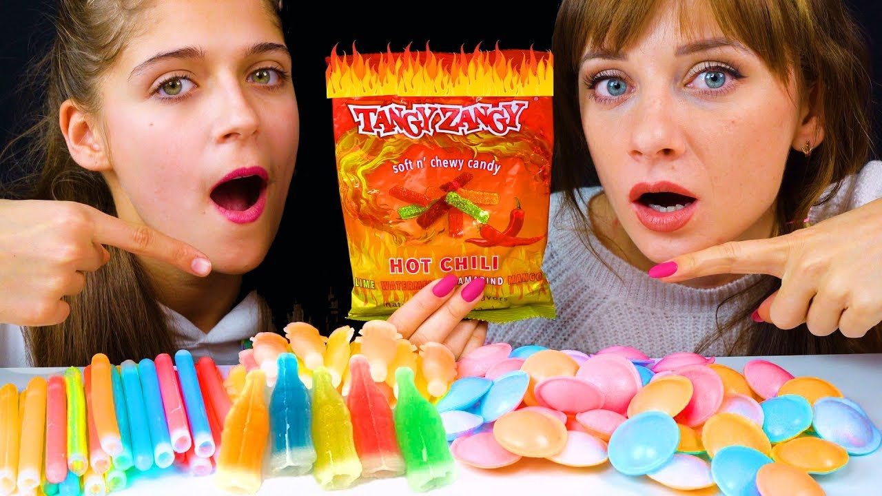 Curiosidad Basura Electropositivo  ASMR NIK L NIPS WAX BOTTLES STICK CANDY, UFO WAFERS CANDY AND HOT CHILI  CANDY - YouTube