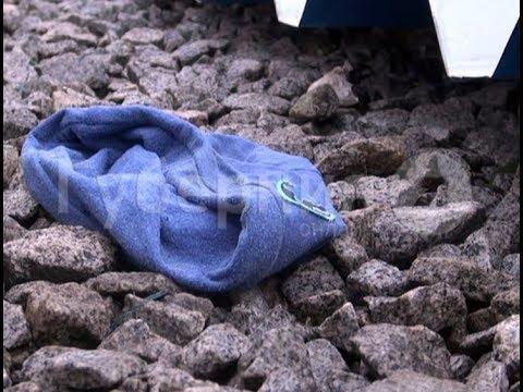 видео: Из-за сильного ветра на хабаровчанку с ребенком упал металлический навес. mestoprotv
