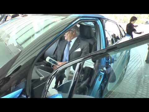 King of Sweden visits Toyota City