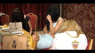 Полицейские ЗАО в одном из отелей ликвидировали притон для занятия проституцией(Официальный сайт: https://77.мвд.рф Сообщество в Facebook: https:// facebook.com/petrovka38oficialpage Сообщество в ВКонтакте: https://vk.com/mosp..., 2016-07-15T07:53:22.000Z)