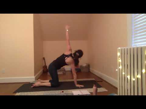 Candlelight Vinyasa Yoga with Julia - 60 Minutes