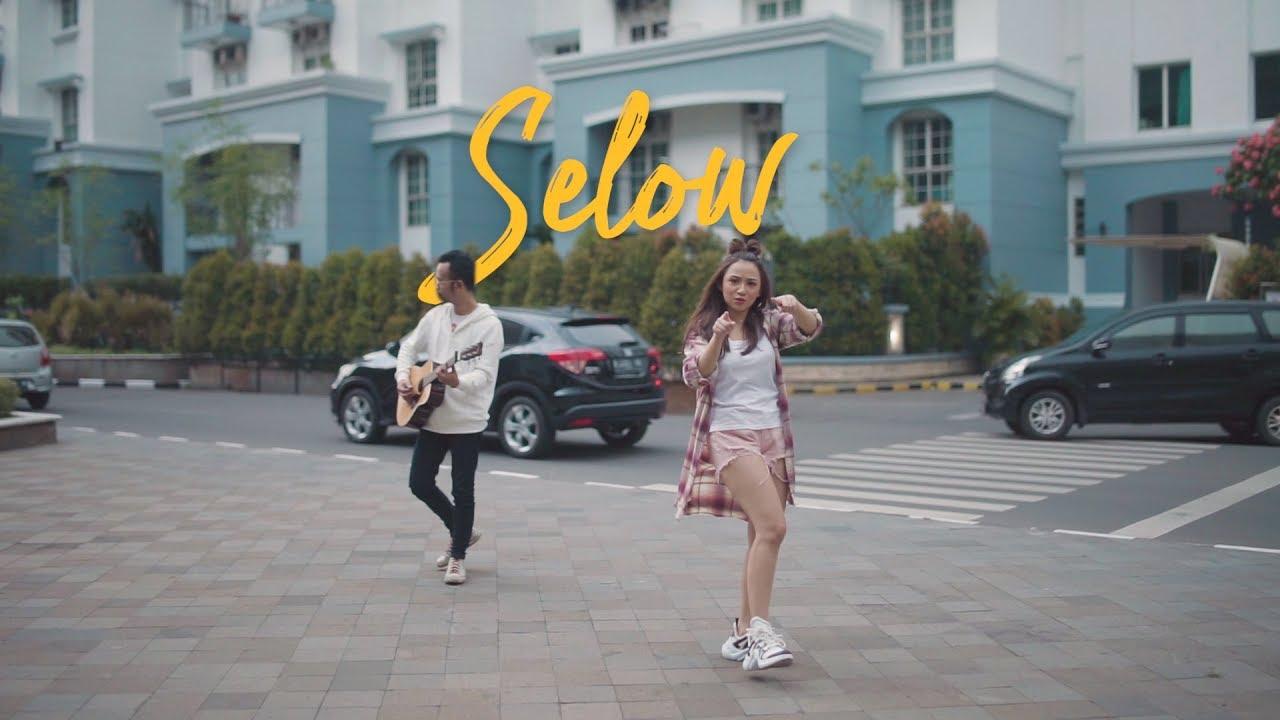 Download SELOW - WAHYU  ( Ipank Yuniar & Meisita Lomania Akustik Cover )