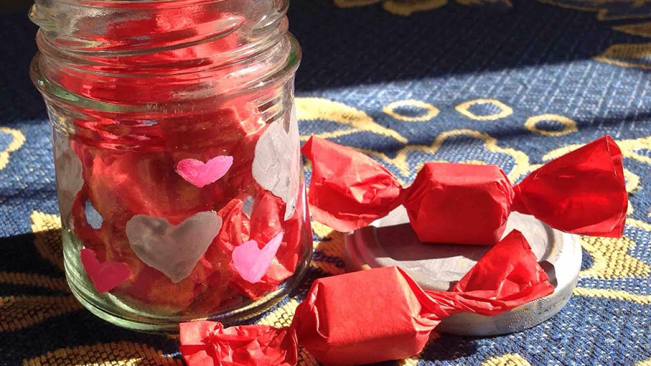 Make A Cute Valentines Day Candy Jar Gift Diy Crafts