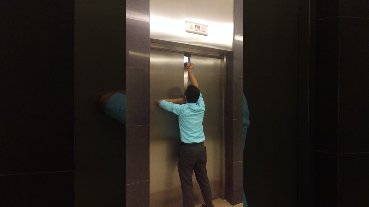 Elevator Door Opening Youtube