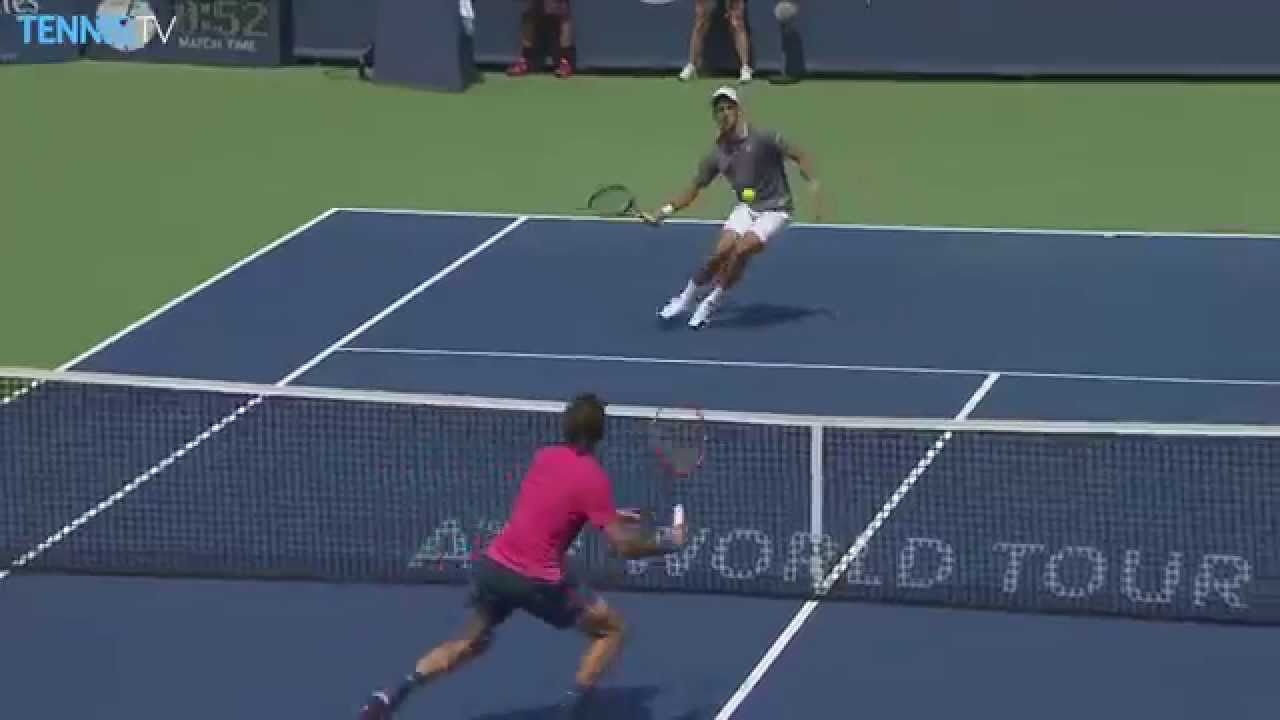 Federer Hits Hot Shot In Final- Cincinnati 2015