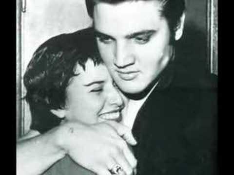 Elvis Presley - Bridge over troubled water, Live.