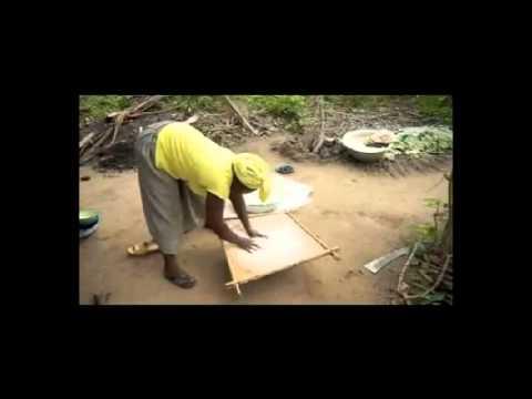 """La transformation de maniok en """"Gari"""""""